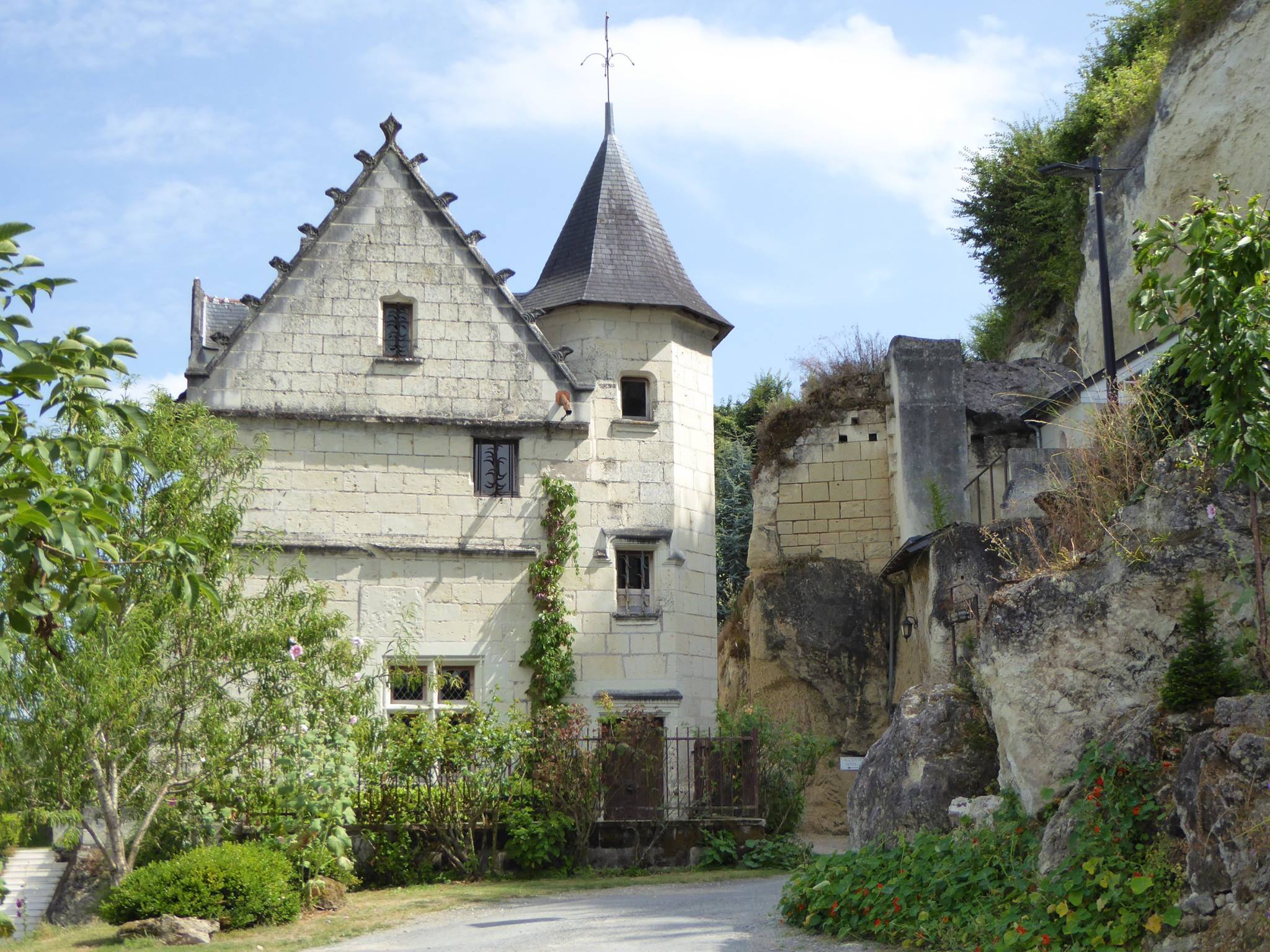 A chateau hotel - our trail winds right through the grounds