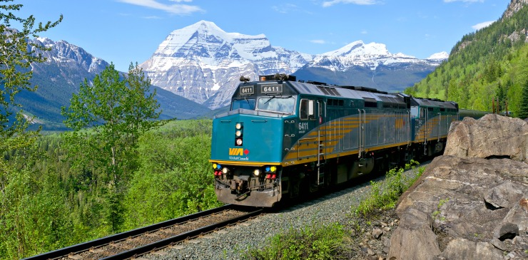 Canada by Train Via Rail Walking Tour